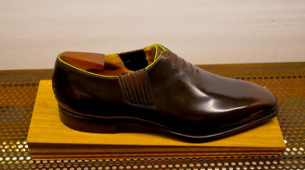 Fine green piping crafted into Corthay bespoke shoes at the BeShoes Symposium