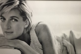 Mario Testino Photo from 1997 that appeared in Vanity Fair